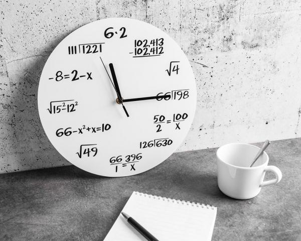 Ceas Matematica Alb