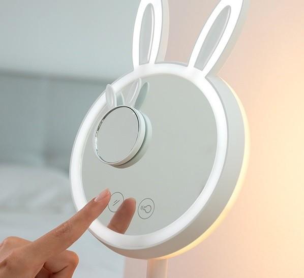 Oglinda-lampă Led pentru machiaj 2 în 1 Bany