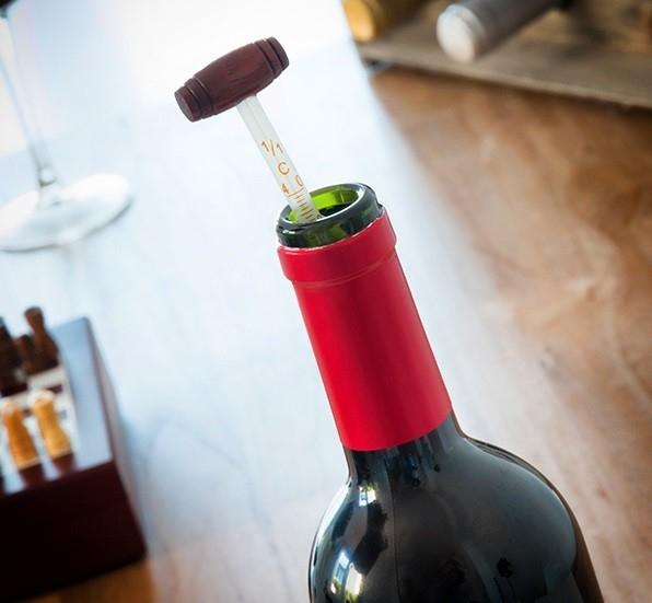 Set accesorii pentru vin
