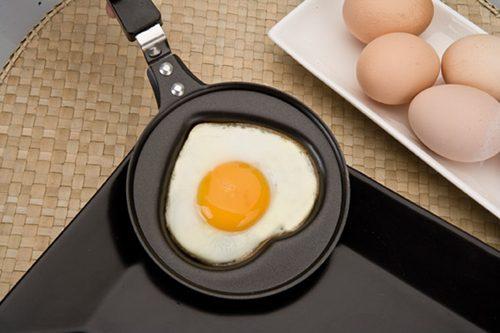 Tigaie pentru oua - INIMA