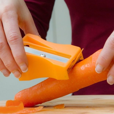Curatator si tocator de legume in forma de ascutitoare