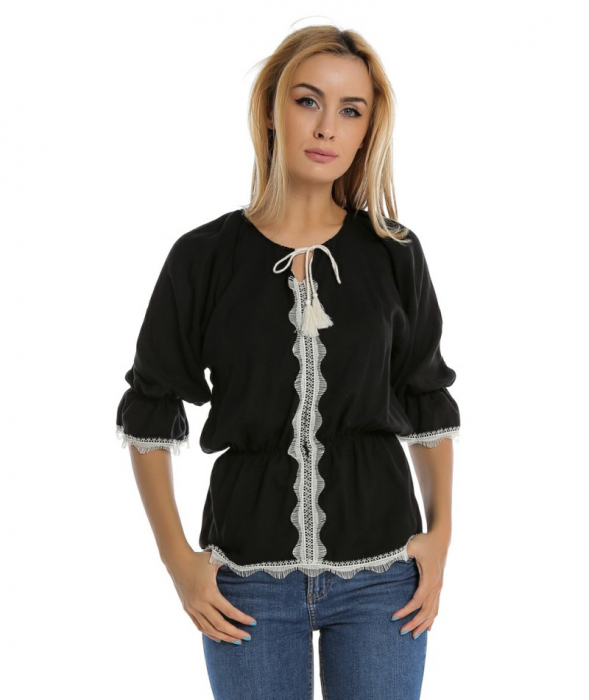 Bluza casual neagra cu maneci trei sferturi si aplicatie de dantela B110