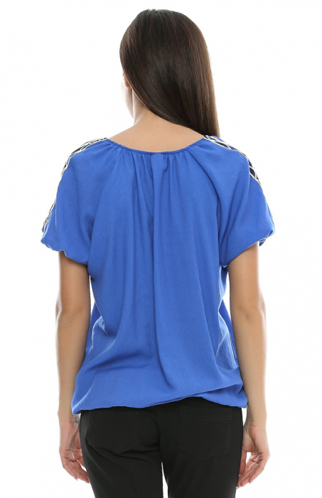 Bluza cu aplicatii dantela brodata B81