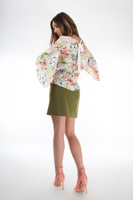Bluza cu imprimeu floral Magnolia Petals