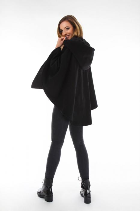 Capa cu gluga din stofa pentru femei