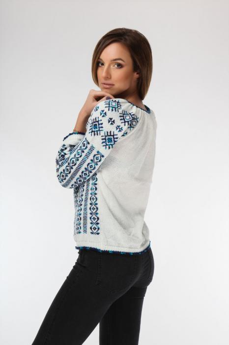 IE tricotata cu model albastru degrade si maneci lungi Onibon