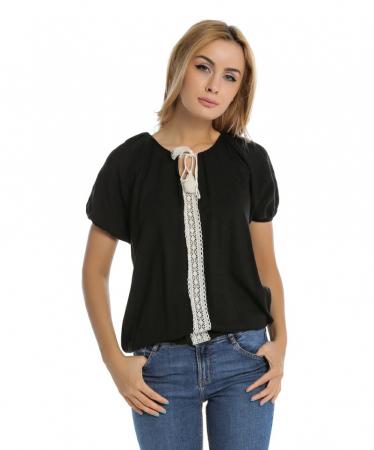 Bluza casual neagra cu aplicatie de dantela perforata B109