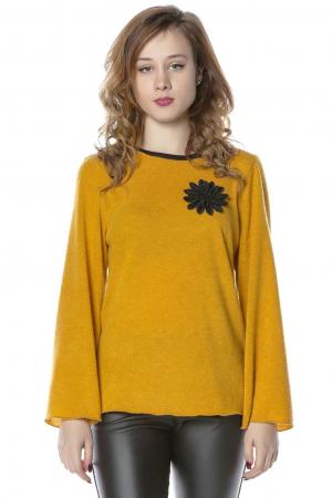 Bluza galbena din jerse cu floare aplicata B117