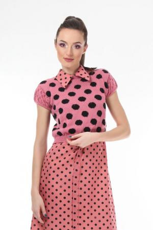 Top dama tricotat roz cu buline negre