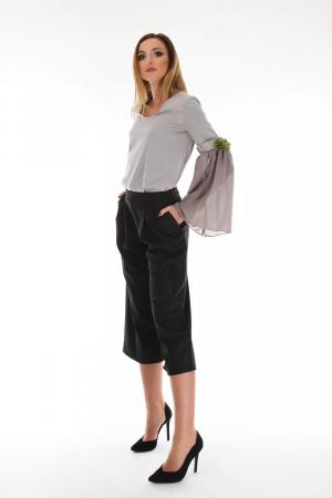 Pantaloni trei sferturi din stofa de bumbac