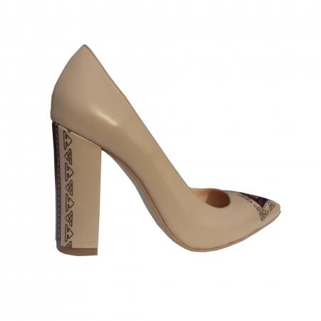 Pantofi din piele naturala cu print motive traditionale