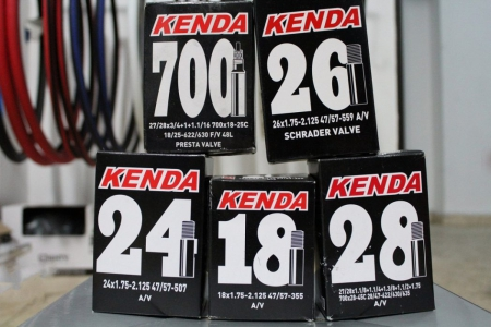 Camera Kenda 700×28-45C AV