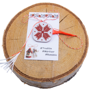 Martisor brosa acril gravat motive traditionale