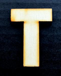 """Litera din lemn """"T"""" - 4.5 x 3.2 x 0.4 cm"""