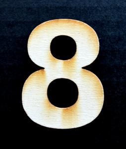 """Cifra din lemn """"8"""""""