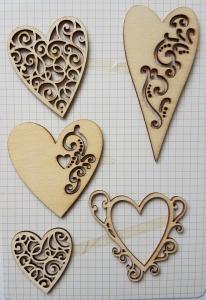 Decoratiune din lemn - Inimi