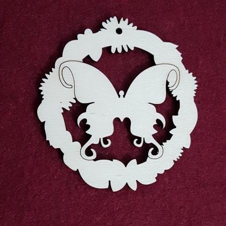 Decoratiune din lemn in forma de fluture