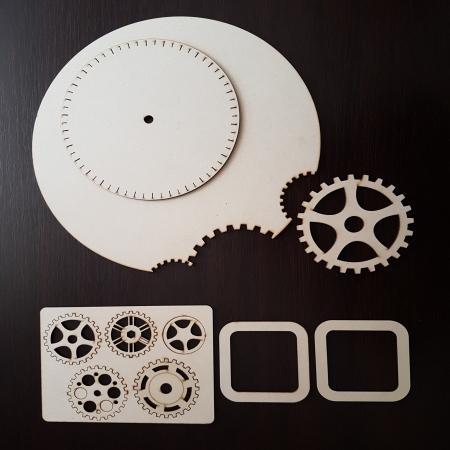 Cadran ceas din lemn cu rotite