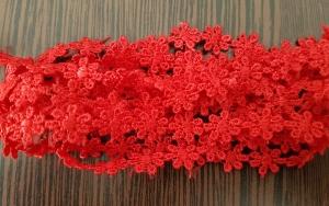 Dantela floricele rosii 8.5m