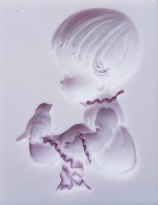 Mulaj din silicon, copil cu pasare