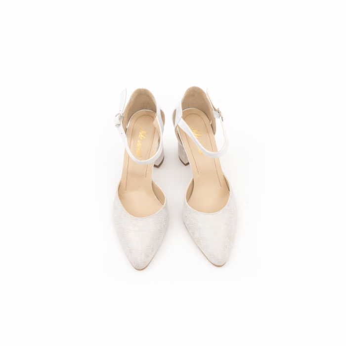 Pantofi dama eleganti decupati piele Nike invest 1207, alb auriu