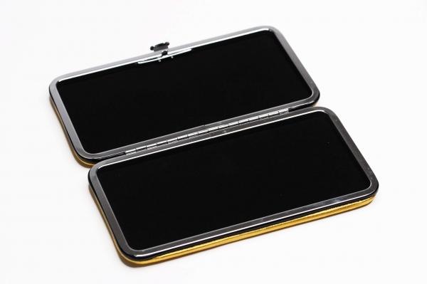 Case magnetic