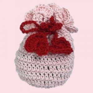 Saculet crosetat manual, Umplut cu flori de lavanda, roz deschis, 7 x 9 cm