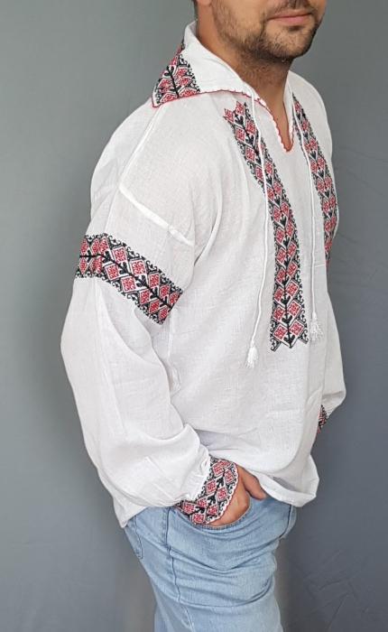 Ie traditionala Chiriac