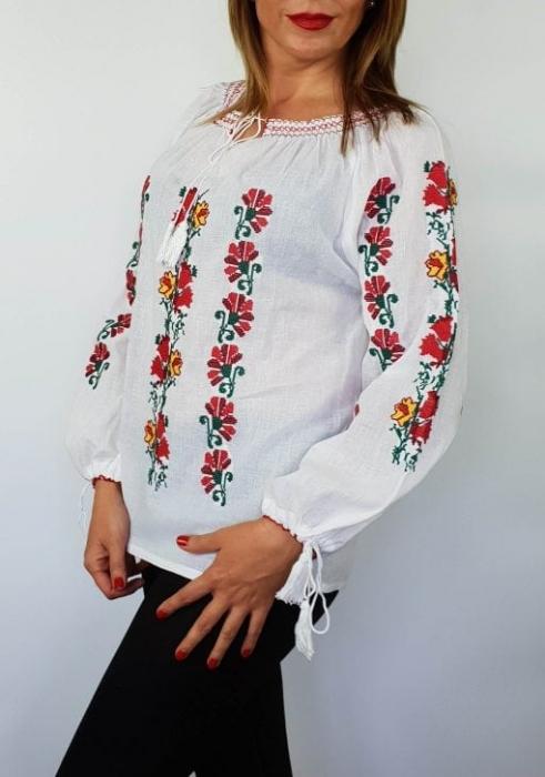 Ie Traditionala Iuliana