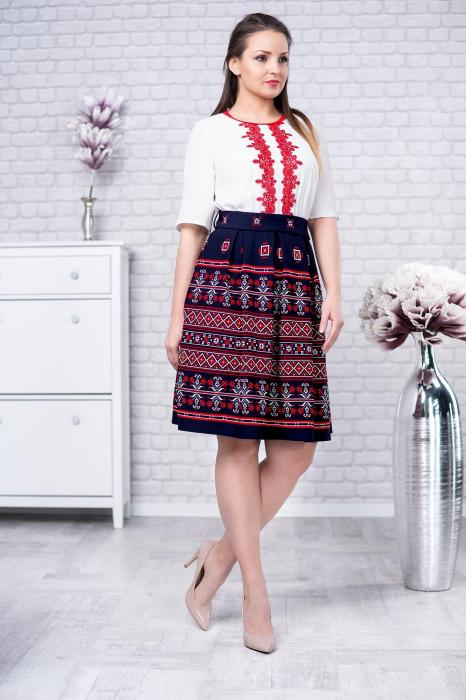 Rochie cu motive traditionale Tatiana