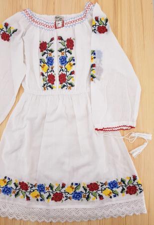 Rochie traditionala fetite Ana