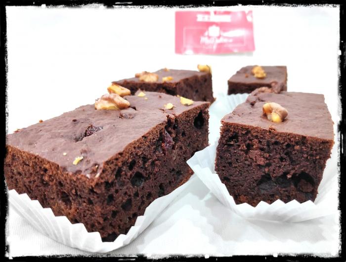 brownie de post cu nuca