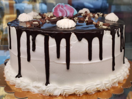 Tort cu glazura de ciocolata