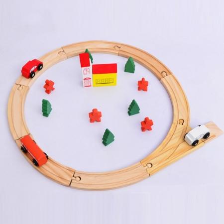 Circuit de jucarie din lemn, cu masinute