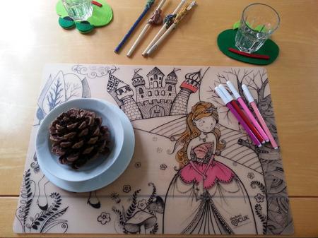 Pachet PROMO: Plansa de colorat reutilizabila - Printul si Printesa + Carioca JOY