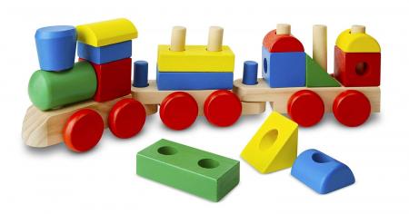 Puzzle Tren din lemn cuburi si forme geometrice.