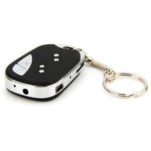 Camera Video Spion Mascata in Breloc - Telecomanda Auto + Bonus Card de Memorie 8 GB