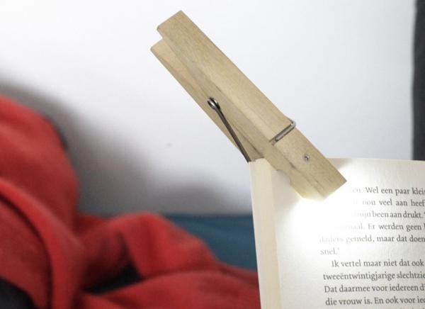 Lampa de carte Carlig 0