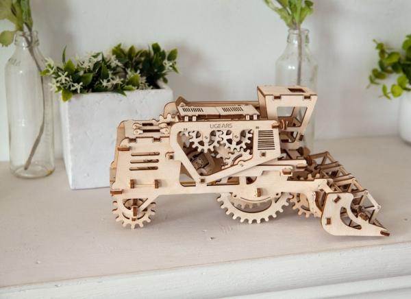 Puzzle 3D Combina Agricola din Lemn Ugears
