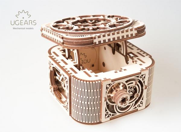 Puzzle 3D Cufar Comori - Model Mecanic din Lemn Ugears 8