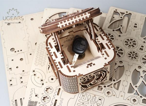 Puzzle 3D Cufar Comori - Model Mecanic din Lemn Ugears 13