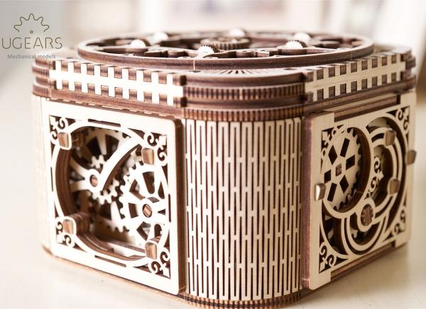 Puzzle 3D Cufar Comori - Model Mecanic din Lemn Ugears 15
