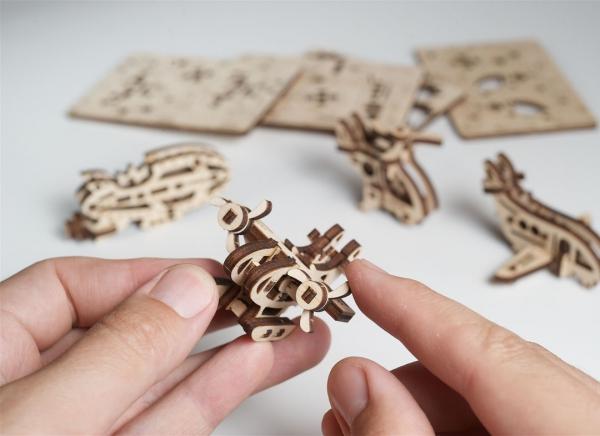 Puzzle 3D Fidget Avioane din Lemn Ugears 2