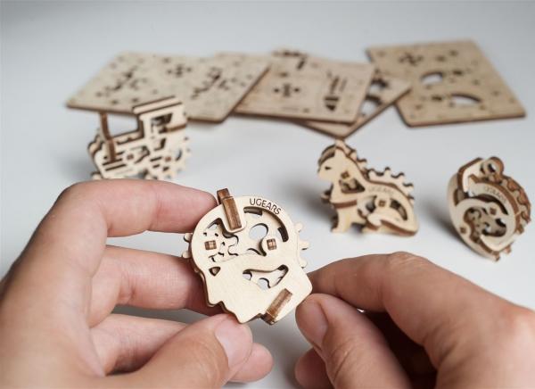 Puzzle 3D Fidget Tribiki din Lemn Ugears 0