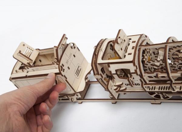 Puzzle 3D Locomotiva cu Aburi si Vagon din Lemn Ugears