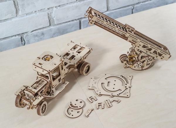 Puzzle 3D Masina de Pompieri din Lemn Ugears