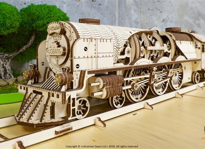 Puzzle 3D Tren V- Express cu abur din lemn Ugears 18