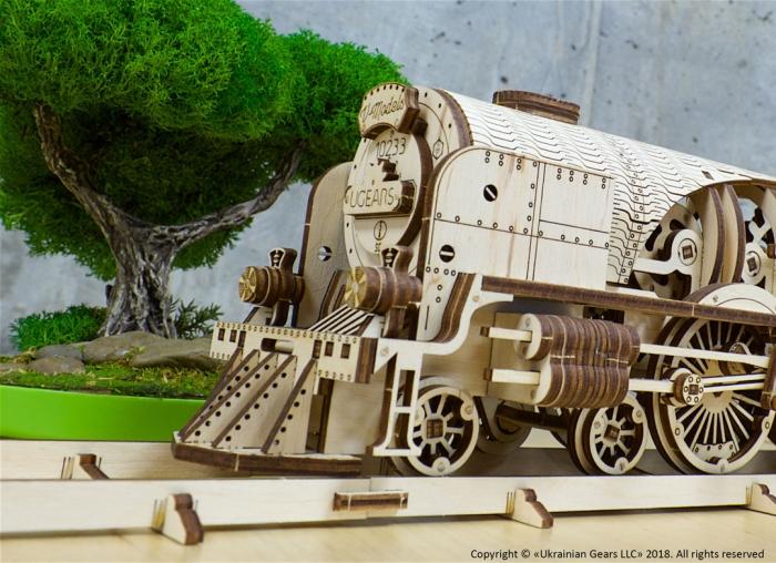 Puzzle 3D Tren V- Express cu abur din lemn Ugears 19