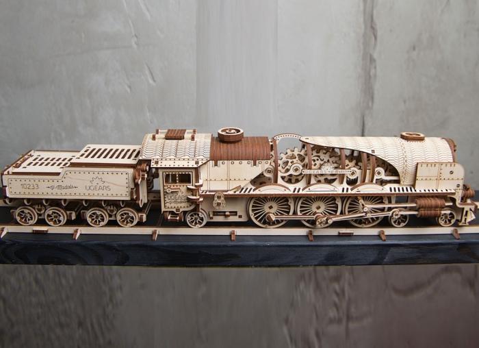 Puzzle 3D Tren V- Express cu abur din lemn Ugears 21