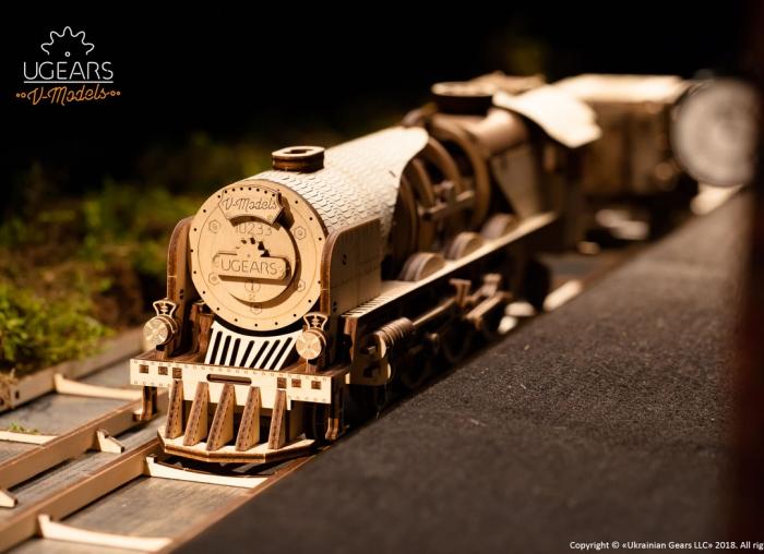 Puzzle 3D Tren V- Express cu abur din lemn Ugears 10